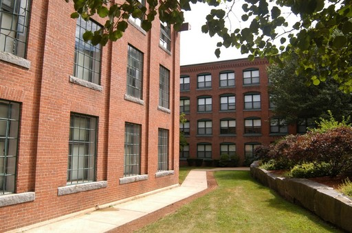 Canterbury Arms Affordable Apartments In Brockton Ma