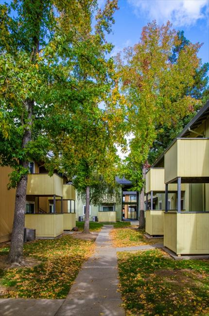 Lotus Landing Affordable Apartments In Sacramento Ca