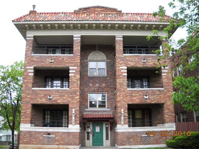 Gotham affordable apartments in kansas city mo found at for One bedroom apartments in kansas city mo
