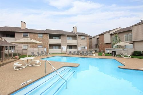 Summer Brook affordable apartments in Arlington, TX found ...
