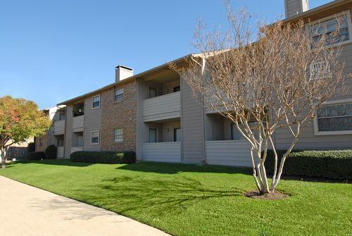 Summer brook affordable apartments in arlington tx found - 4 bedroom apartments in arlington tx ...